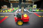 L'auto robot nella città delle paperelle
